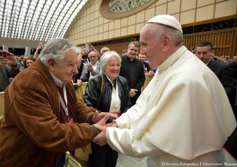Participaram do encontro em Roma, delegados de movimentos populares de mais de 60 países. (Foto: L'Osservatore Romano/Divulgação)